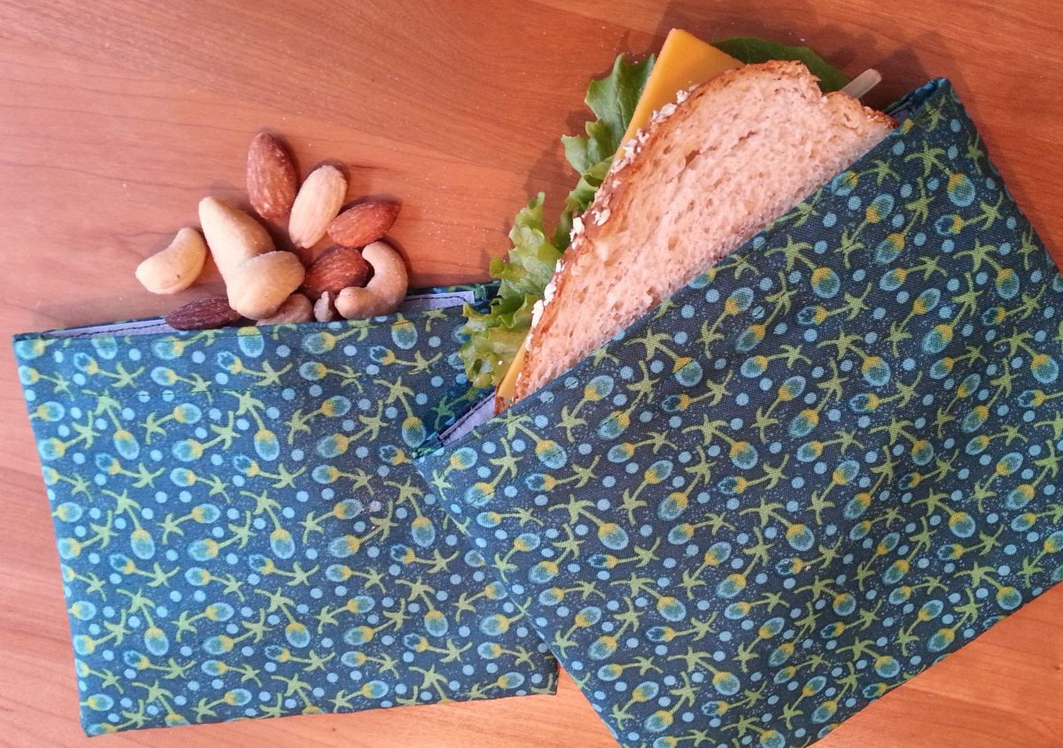 Snack and sandwich bag tutorial www.mindfulmomma.com