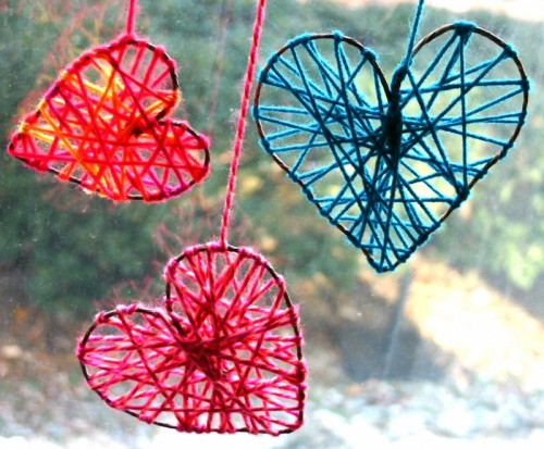 DIY Yarn Hearts via shelterness.com