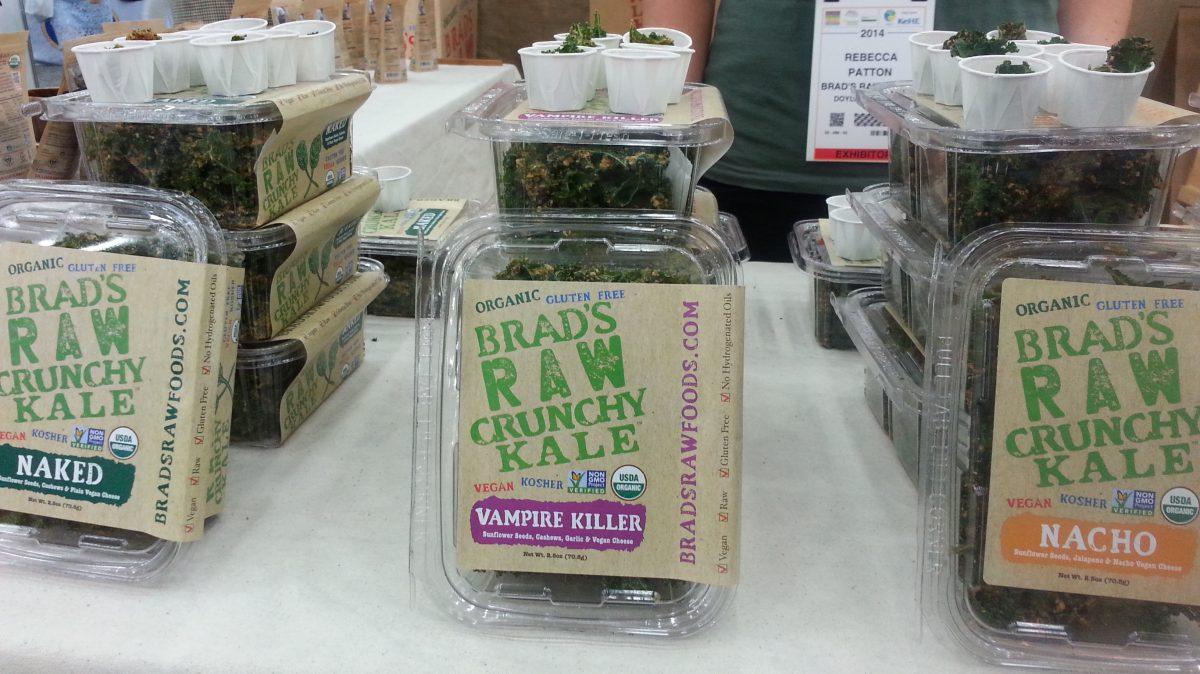 Brad's Raw kale chips via mindfulmomma.com