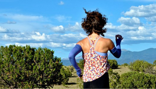 pavepara wings arm warmers via mindfulmomma.com