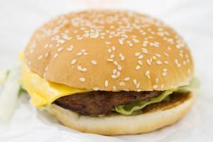 hamburger by Robyn Lee via flickr cc