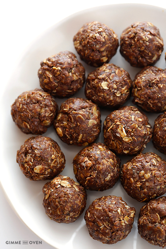 Chocolate Peanut Butter Energy Bites by Gimme Some Oven