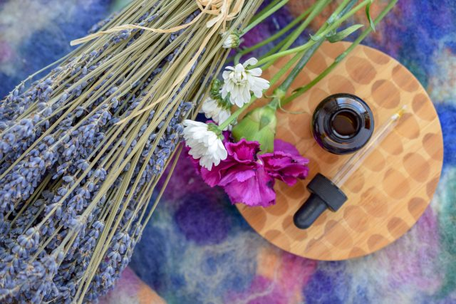 DIY Facial Oil wood board flowers lavender