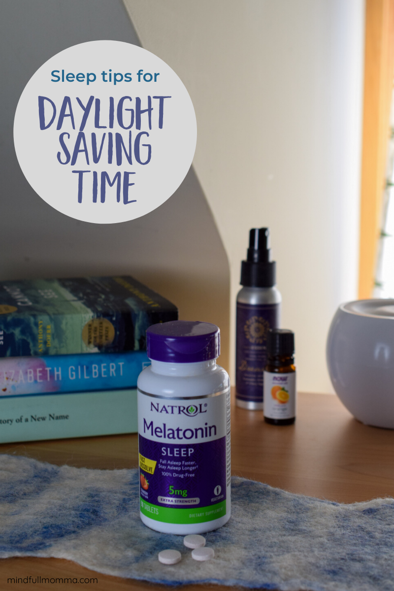 These sleep tips will help your family ease the transition to Daylight Saving Time, so you can enjoy the longer days and warmer temperatures of Spring! | #ad #Natrol #NatrolNights #LookontheLightSide via @MindfulMomma